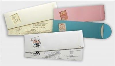Μακρόστενη πρόσκληση με χαρτί aquarella ματ. Από το παράθυρο φαίνεται το σχέδιο. Το λευκό και το μπεζ κοστίζουν 0,45€ και το ροζ και γαλάζιο 0,55€