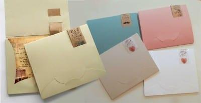 Φάκελος κουτί σε 5 χρώματα. ΜΠΕΖ - ΠΑΣΤΕΛ - ΛΕΥΚΟ - ΡΟΖ (vintage) - ΓΑΛΑΖΙΟ (vintage). Τον φάκελο τον κλείνει ο πελάτης. Τιμή 0,60€